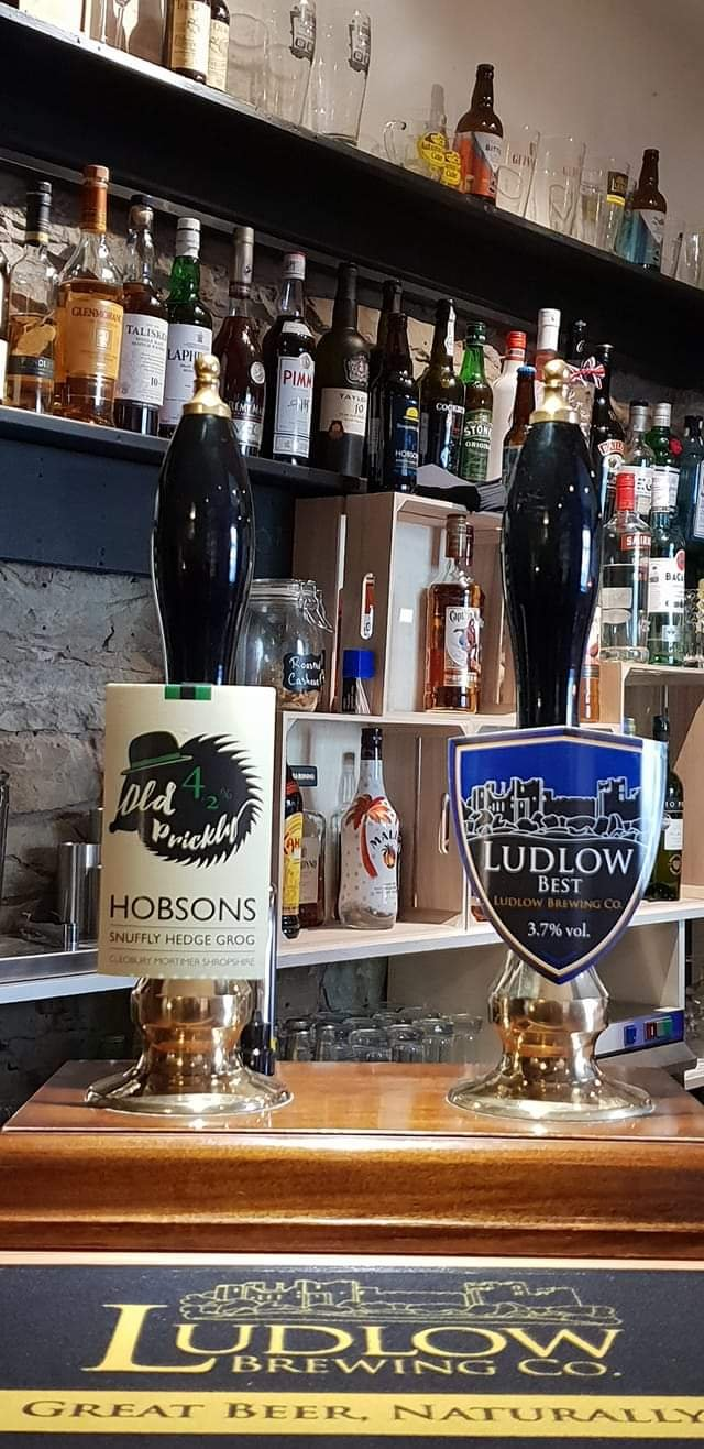Crown Inn Clunton Bar real ales